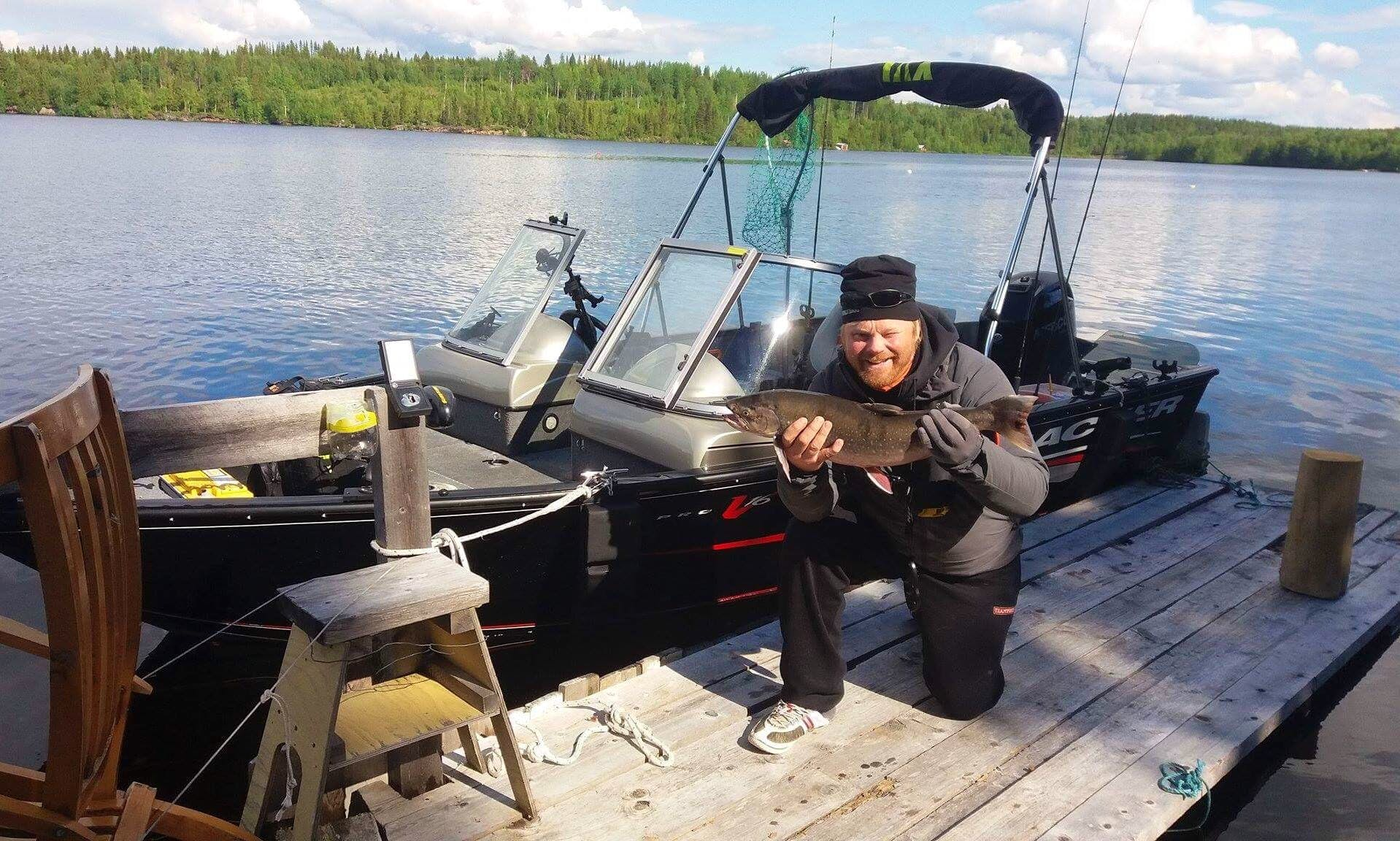 Fishing Boat Rental in Indalsälven and coastline in Sundsvall