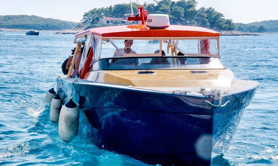 Private Speedboat tour for 12 in Split, Croatia