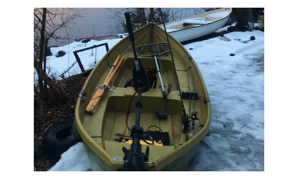 Row Boat Rental in Bergeforsen, Sverige