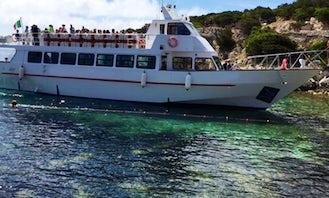"""""""Motorboat Delphinus"""" Boat Trips in Alghero"""