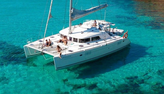 Charter Lagoon Cruising Catamaran In Cartagena, Colombia