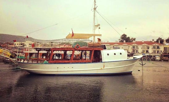 Enjoy Fishing In İzmir, Turkey On 59' Gulet