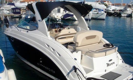 Charter 30' Chaparral 250 Signature Motor Yacht In Kožino, Croatia