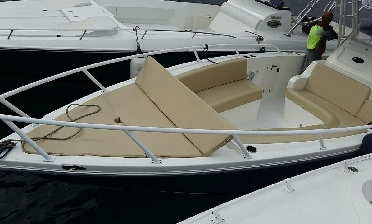 The Perfect Boat to Rent for Parties or Crusing in Cartagena