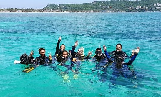 Discover Underwater Scenery Of Western Visayas, Philippines