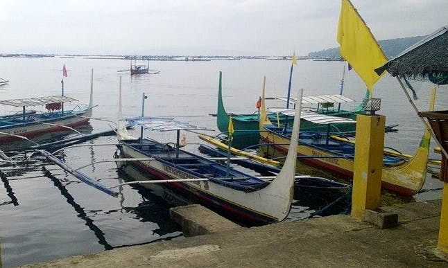 A Fun Adventure on a Traditional Boat in Manila, Philippines
