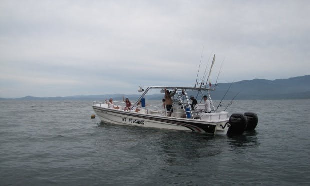 Enjoy Fishing in Bahía solano, Colombia on 32' Center Console