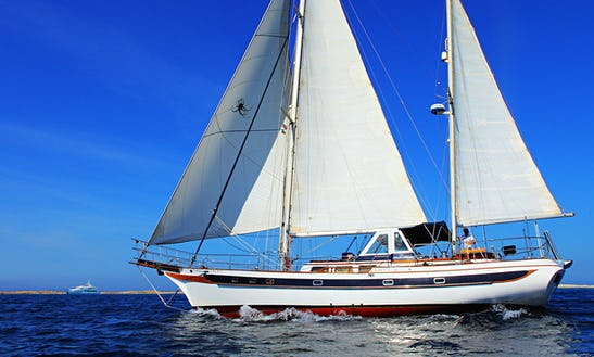 Sailing Charter On 62ft