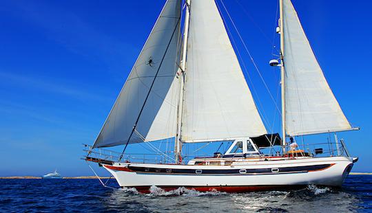 Sailing Charter On 62ft