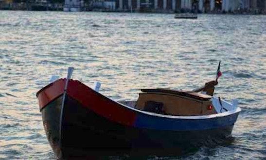 26' Brezza Boat Rental In Venezia, Italy