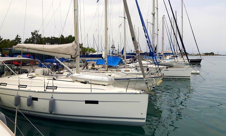 Cruising Monohull Charter on 36' Bavaria 36 in Lefkada