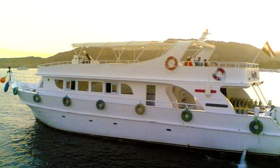 Charter 70' Laluna Power Mega Yacht In South Sinai Governorate, Egypt