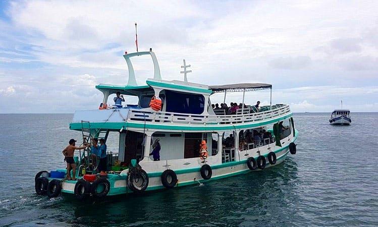 Enjoy Fishing in Thanh pho Phu Quoc, Viatnam on a Passenger Boat