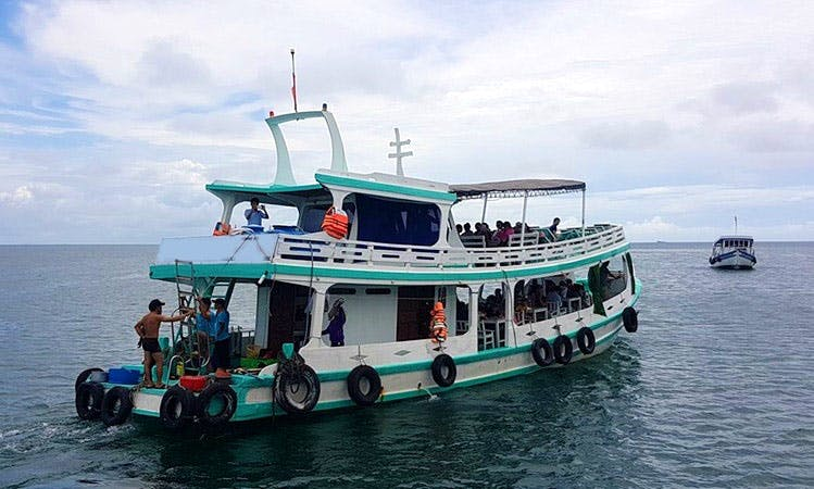 Enjoy Fishing in Thanh pho Phu Quoc, Viatnam on a Passenger Boat