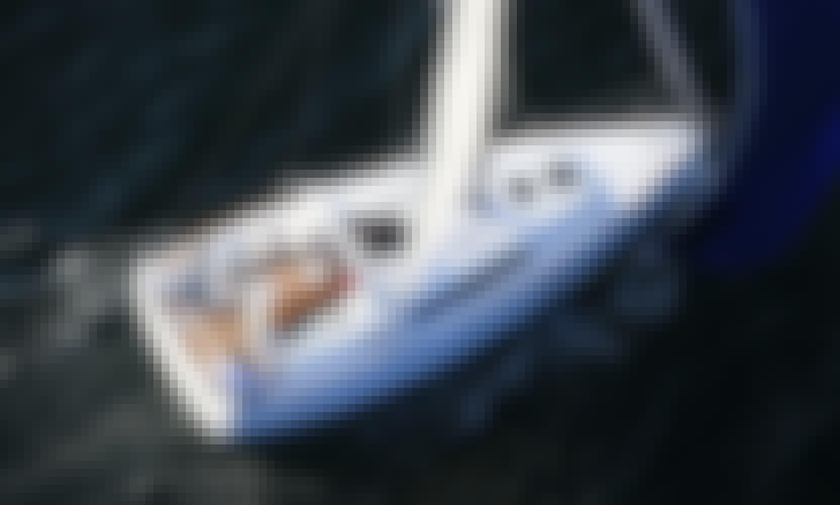 Charter 35' Beneteau Oceanis - Oneira Cruising Monohull in Oristano, Italy