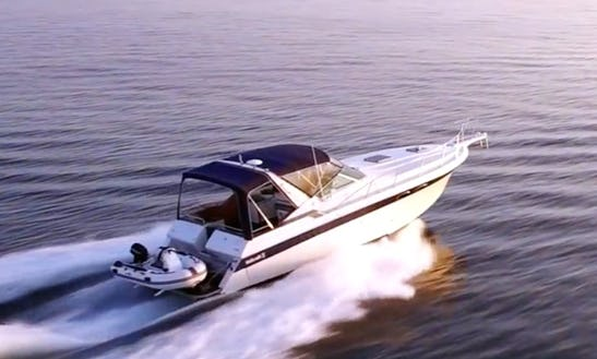 Charter 34' Motor Yacht In Rethymno, Greece