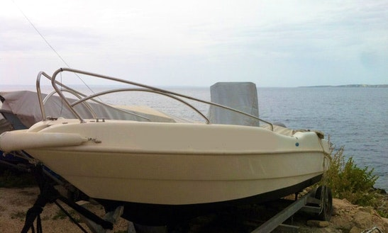 Excursions And Daily Tours To Levanzo And Favignana Aboard A 6 Person Center Console