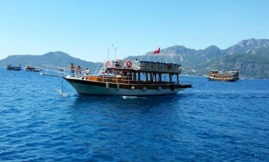 Dive Into Fun With This Motor Yacht Charter In Muğla, Turkey