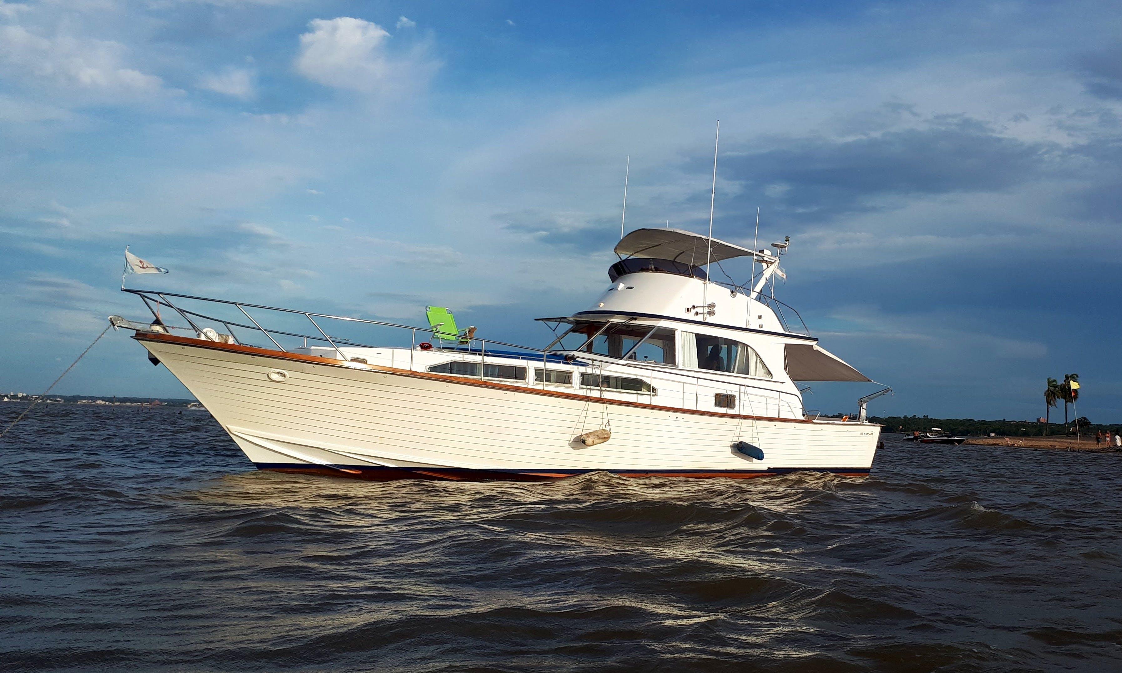 Motor Yacht rental in Posadas