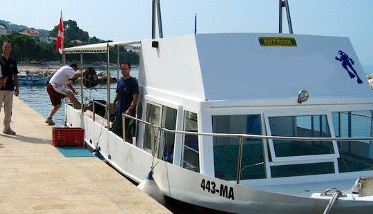 Boat Scuba Diving Lessons In Tučepi