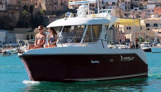 Charter Onassis Ii Cuddy Cabin In Castellammare Del Golfo, Italy