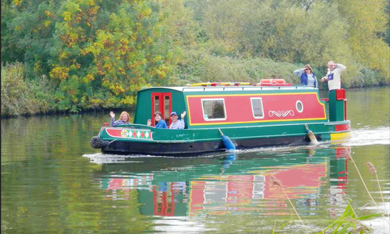 Badger Narrow Boat Trips In Gloucester
