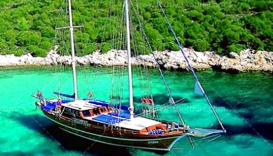 One Of The Best Ways To See Muğla, Turkey Is On This Gulet
