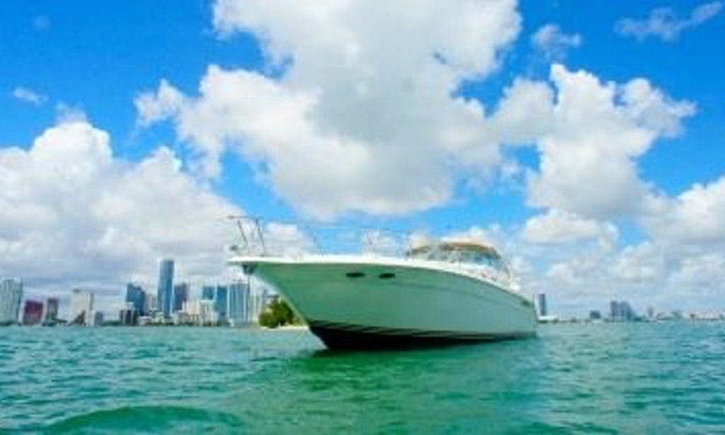 Book your par tee time in boston today getmyboat for Motor boat rental boston