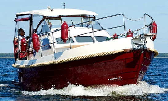 Courier 970 Motorboat For Charter In Wilkasy, Poland