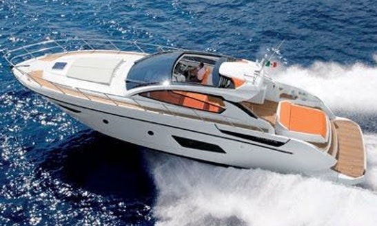 Motor Yacht Rental In Cancún