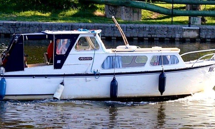 Houseboat Rental in Vnorovy
