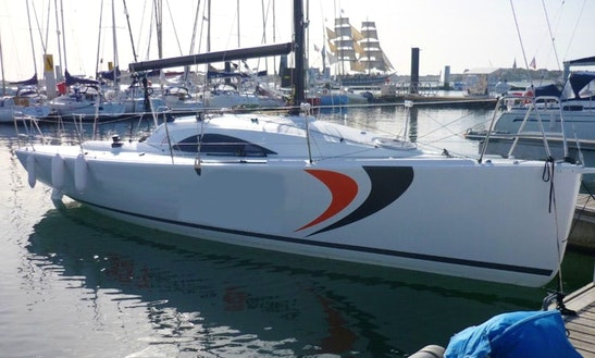 A 31 Cruising Monohull Rental & Trips In Larmor-plage, France