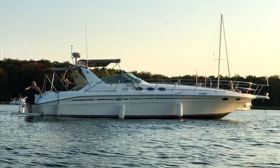 Motor Yacht Rental In Sainte-anne-de-bellevue