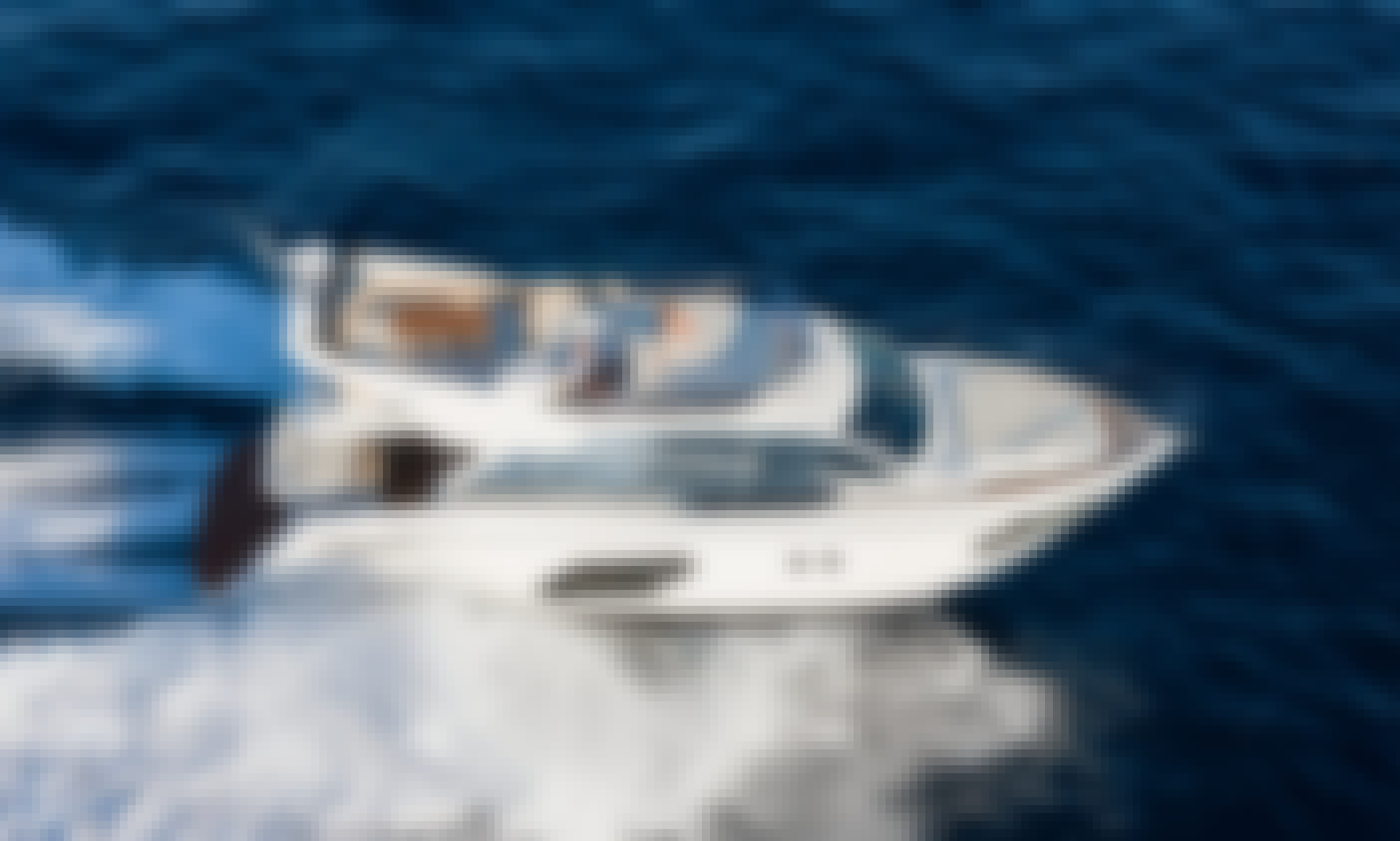 Luxury & brand new yacht of 16 meters - Grab the 15% discount until end of March 2020!