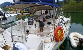 Hunter Legend 40 Cruising Monohull rental in Angra dos Reis