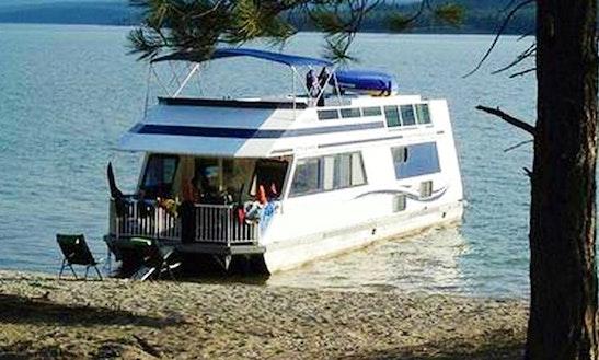 Lake Koocanusa 8 Person Houseboat Rental
