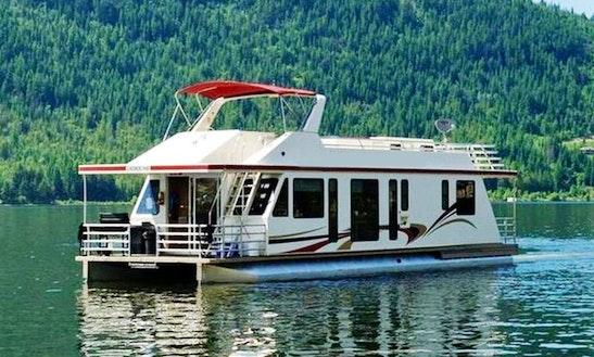 Houseboat Rental Located On Lake Koocanusa, Bc