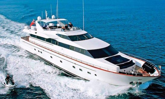 Falcon 100 Motor Yacht In Ornos