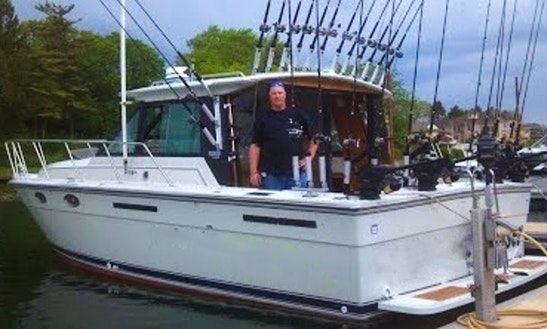 31' Cuddy Cabin Fishing Charter In Kenosha, Wisconsin