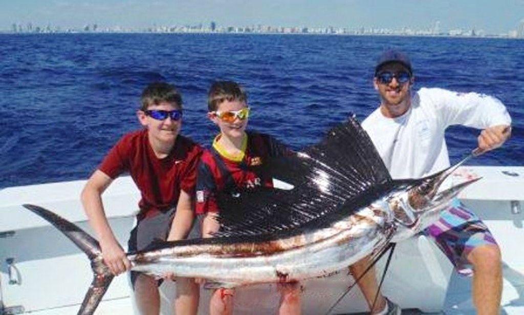 Go fishing in miami florida on 58ft therapy iv fishing for Florida fishing license phone number