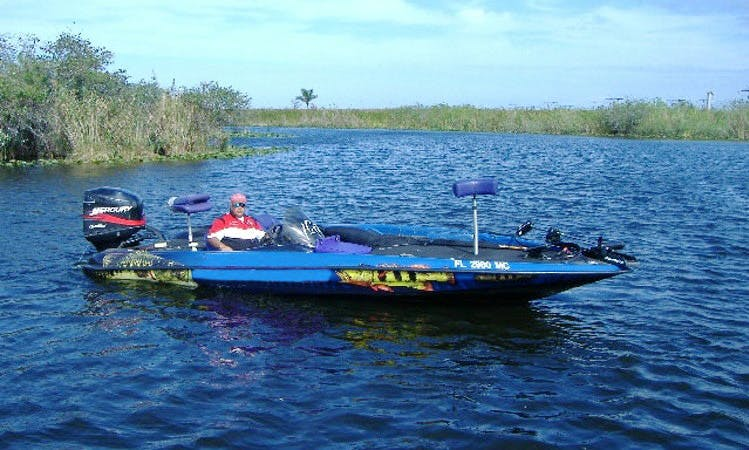 Bass Boat Fishing Trip in Davie, Florida