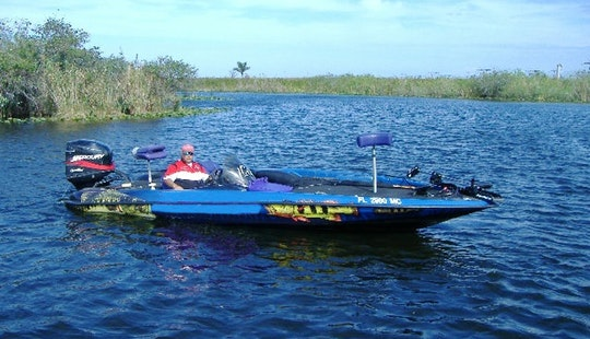 Bass Boat Fishing Trip In Davie, Florida