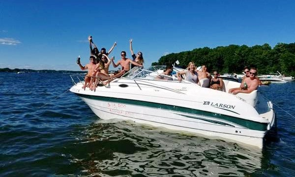 Enjoy Lake Minnetonka On This 24 Larson Getmyboat