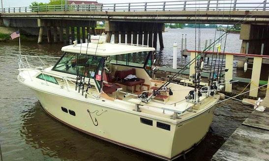 30' Baha Sportfisherman Boat In Ludington