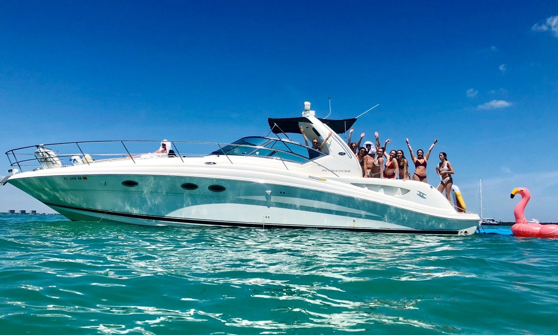 45' Sea Ray Yacht for 13 Guests - Best Value! | GetMyBoat