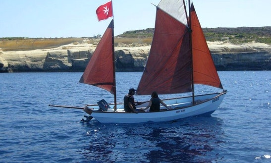Daysailer Short Boat Trips For 4 Person In Xlendi Bay, Munxar