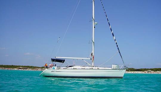 Charter 44' Bavaria 44 Cruiser Cruising Monohull In București, Romania
