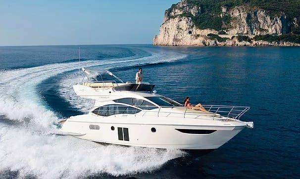 Charter 40' Azimut 40 Flybridge Motor Yacht in București, Romania
