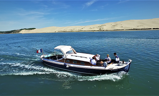 Charter 33 Foot Deck Boat Freebay In Arcachon Bay