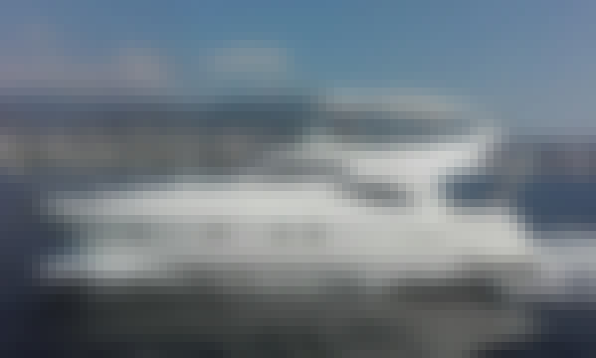 Charter Ferretti 48 Motor Yacht in Acapulco, Mexico